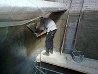 Нанесение состава ЛАХТА® обмазочная гидроизоляция